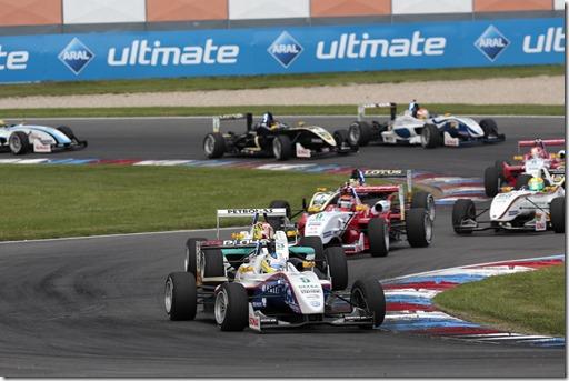 Start Race/Rennen 2, Gustavo Menezes (USA) Van Amersfoort Racing  Dallara F311 / VW Power Engine, Race/Rennen 2, DTM Eurospeedway Lausitz, 14.-15.06.2013